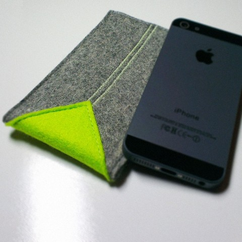 iPhone 5 Case - Neon Shark